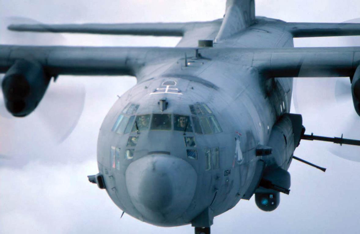 USMC avalia transformar os KC-130J em Gunship